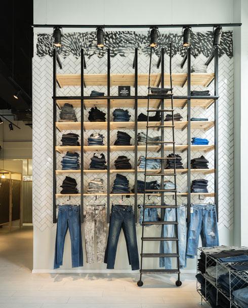 גם עיצוב חנויות נעשה על פי אותם העקרונות (צילום: מולט)
