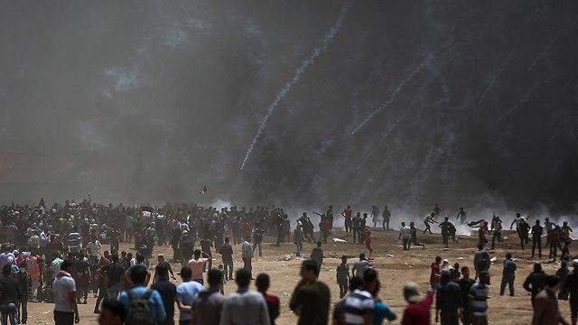 התפרעויות פלסטינים גבול רצועת עזה (צילום: EPA)