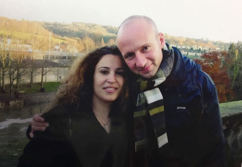 """רביע עם בעלה. """"לא הסכמתי לחינוך ממלכתי-דתי ולא ממלכתי רגיל"""" (צילום: אלבום פרטי)"""