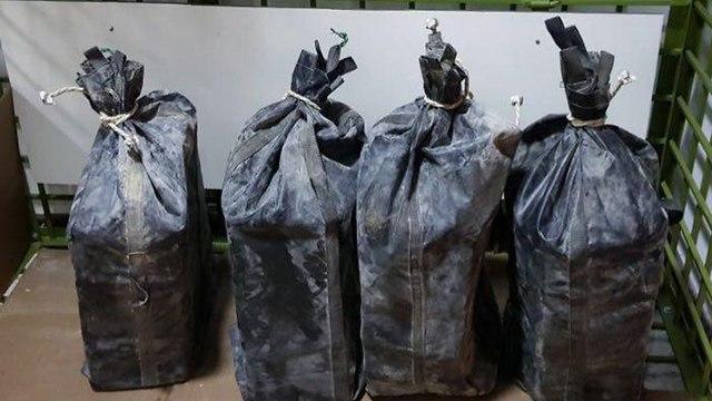 כמויות קוקאין שהוברחו מפרו לישראל (צילום: דוברות משטרה)
