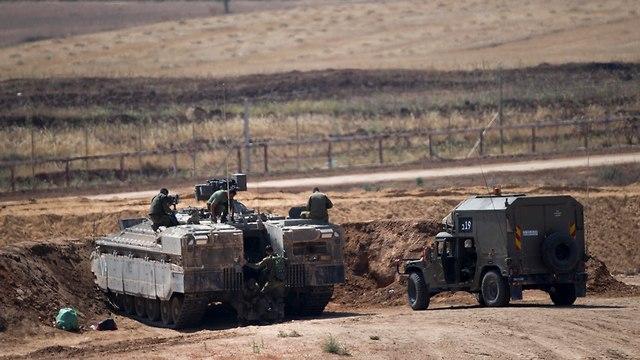 Израильская военная техника на границе с Газой. Фото: AP