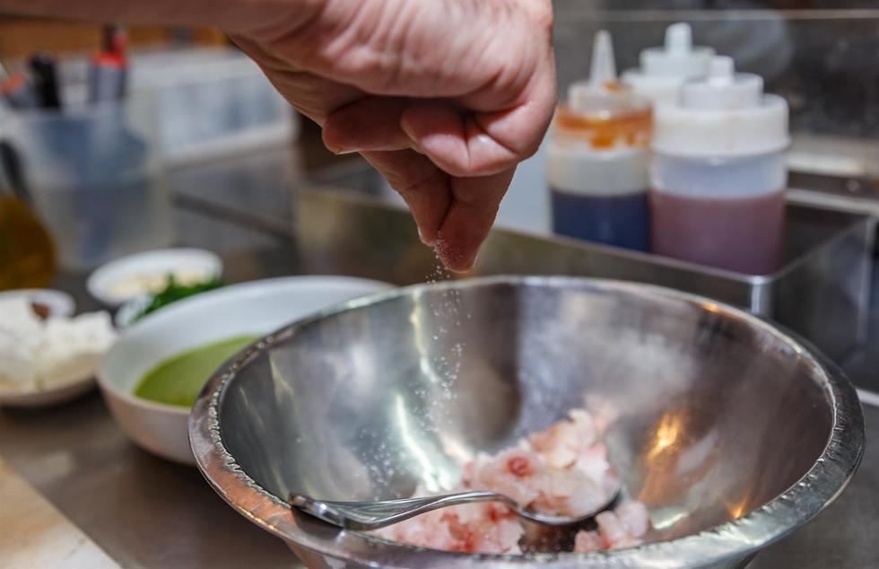 מתכוני דגים לשבועות של עמוס שיאון (צילום: דני גולן)