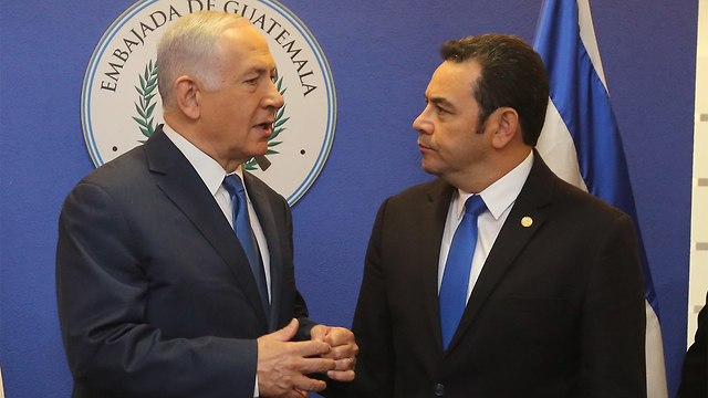 Prime Minister Benjamin Netanyahu with Guatemalan President Jimmy Morales (Photo: Marc Israel Sellem)