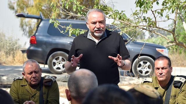 שר הביטחון אביגדור ליברמן ביקור ב אוגדת עזה (צילום: אריאל חרמוני, משרד הביטחון)