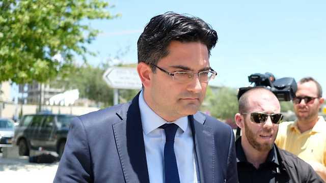אולמוט דניז נציג טורקיה בישראל שיחת נזיפה ב משרד החוץ ירושלים  (צילום: יואב דודקביץ)