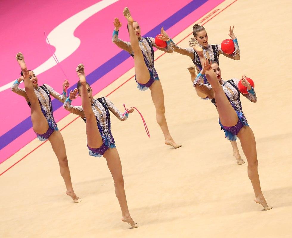 נבחרת ההתעמלות אמנותית של ישראל. גראנד פרי חולון  (צילום: אורן אהרוני)
