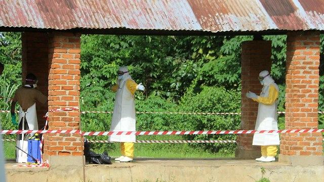 אבולה חיסונים ראשונים מגיעים ל הרפובליקה הדמוקרטית של קונגו התפרצות (צילום: רויטרס)