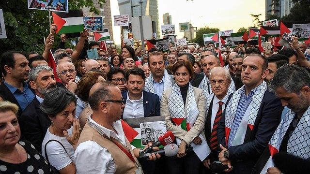 הפגנות באיסטנבול טורקיה (צילום: AFP)