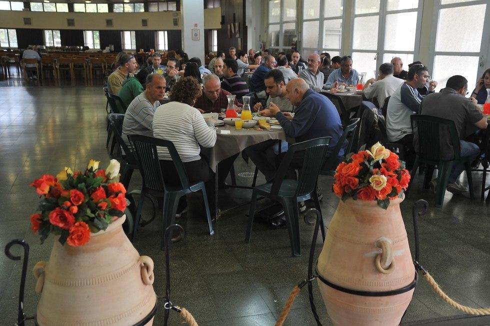 חדר אוכל קיבוצי (צילום: רן פרץ)