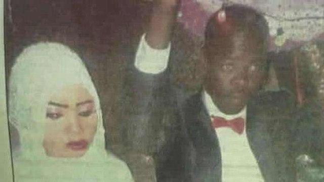 נורה חוסיין אישה סודן נידונה למוות אחרי שרצחה את בעלה שאנס אותה ()