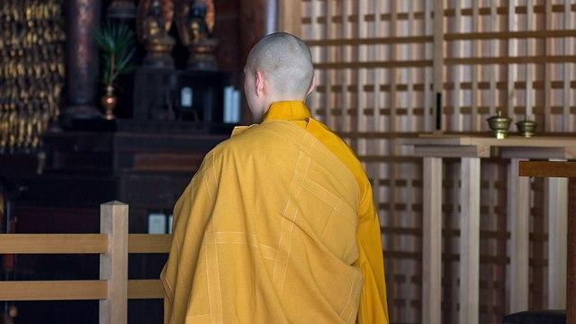 נזיר בודהיסטי מקדש יפן אילוס אילוסטרציה (צילום: Shutterstock)