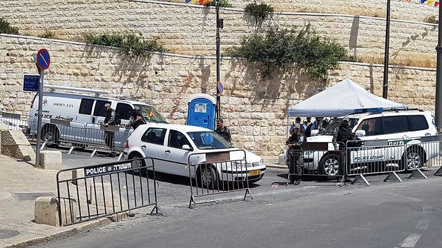 כוחות משטרה שוטר ב שער האריות ב ירושלים רמדאן ירושלים אבטחה שוטרים (צילום: חסן שעלאן)