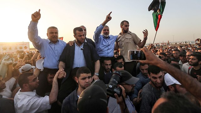 Hamas leader Haniyeh on Gaza border. The Hamas rule could have been eliminated in Operation Cast Lead (Photo: AFP)
