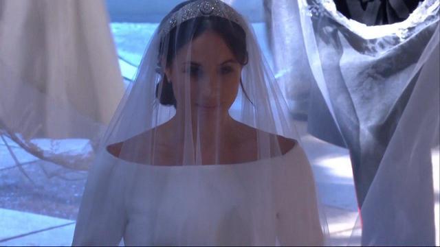 המלכה אליזבת מגיעה חתונה מייגן מרקל הנסיך הארי טירת וינדזור בריטניה (צילום: רויטרס)