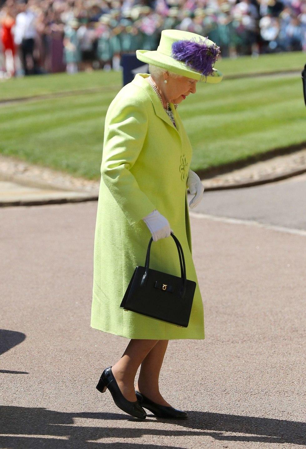 המלכה אליזבת מגיעה חתונה מייגן מרקל הנסיך הארי טירת וינדזור בריטניה (צילום: AFP)