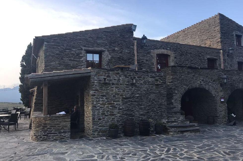 יקב המשמש גם כמלון, קטלוניה (צילום: תיקי גולן)
