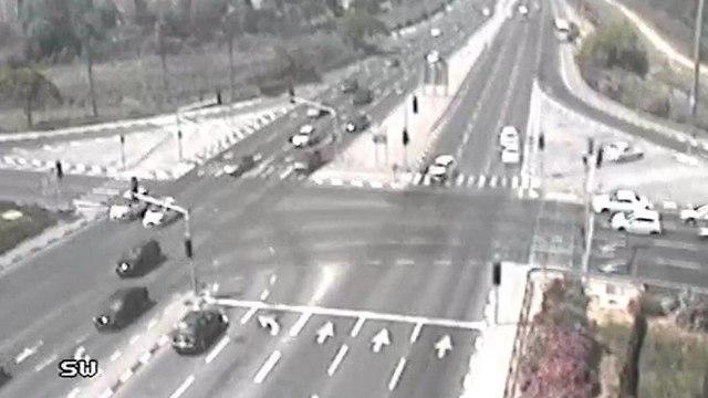 תאונת דרכים בעכו (צילום: נתיבי ישראל)