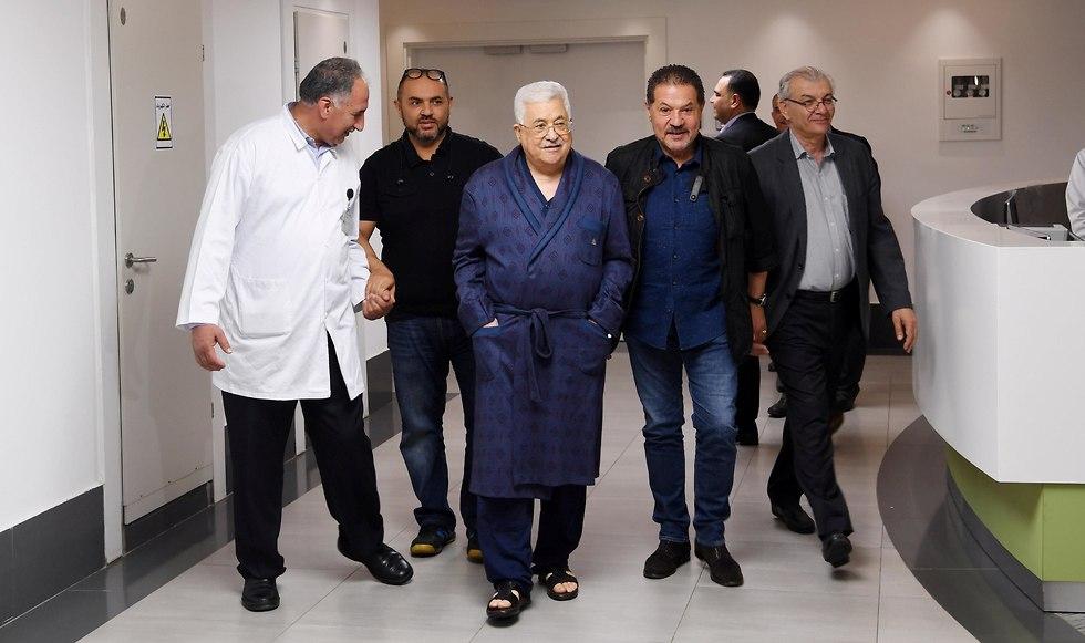El presidente palestino, Mahmoud Abbas, durante una reciente estancia en un hospital de Ramallah (Foto: Reuters)