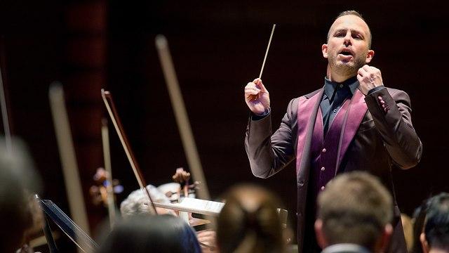 יאניק נזט סגן מנצח תזמורת פילדלפיה (Jessica Griffin)