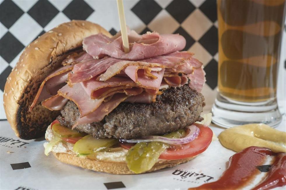 המבורגר עד 59 שקלים (צילום: אנטולי מיכאלו)