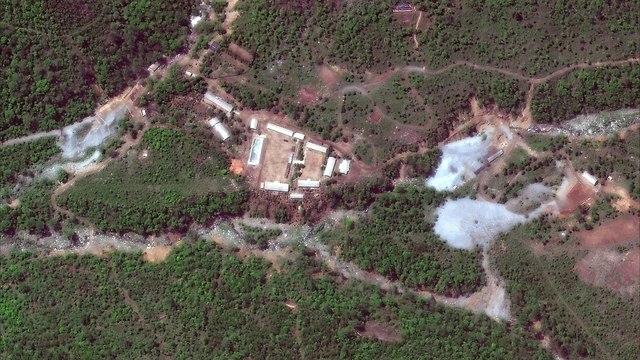 צפון קוריאה השמדה הריסה אתר גרעין  (צילום: רויטרס)