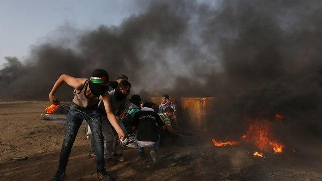 Gaza border rioters (Photo: Reuters)