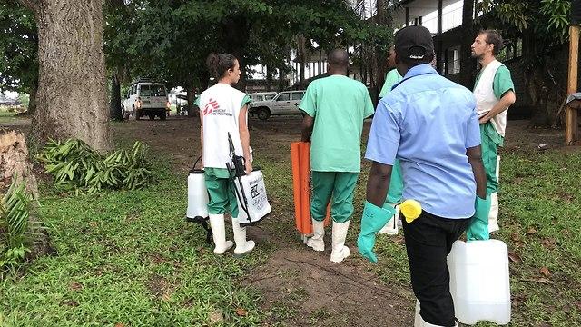 אבולה רופאים ללא גבולות הרפובליקה הדמוקרטית של קונגו (צילום: EPA)