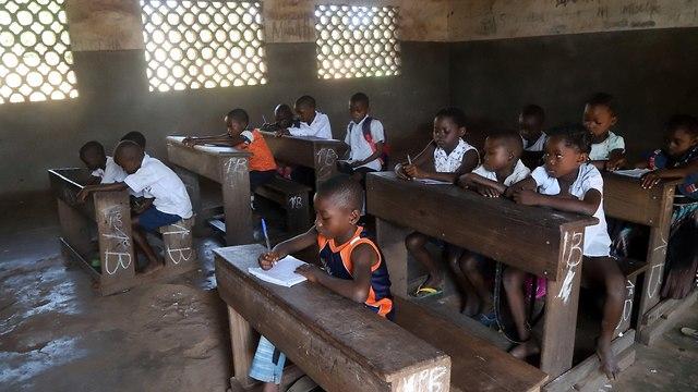 אבולה רופאים ללא גבולות הרפובליקה הדמוקרטית של קונגו (צילום: רויטרס)