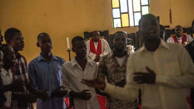 אבולה רופאים ללא גבולות הרפובליקה הדמוקרטית של קונגו (צילום: AFP)