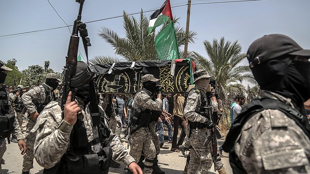 Palestinian Islamic Jihad holds funeral for one of its three members killed by IDF fire, vows revenge (Photo: EPA)