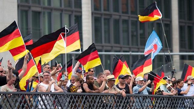 הפגנה תמיכה מפלגת ימין קיצוני בגרמניה (צילום: gettyimages)