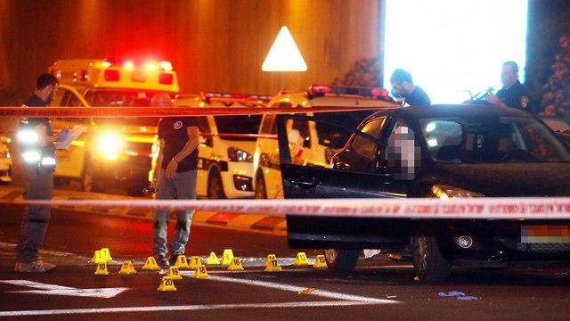 זירת מקום הירי על שתי הבנות (צילום: יריב כץ)