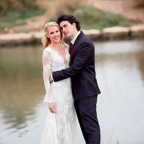 עם בעלה עודד, ביום חתונתם