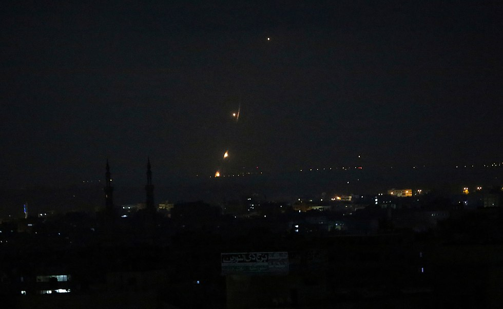 שיגורים מרועת עזה (צילום: AP)