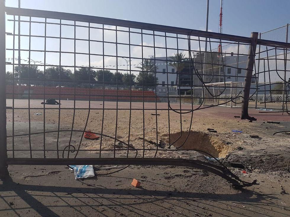 Rocket hit at Netivot stadium (Photo: Avihay Marciano/Radio Darom)