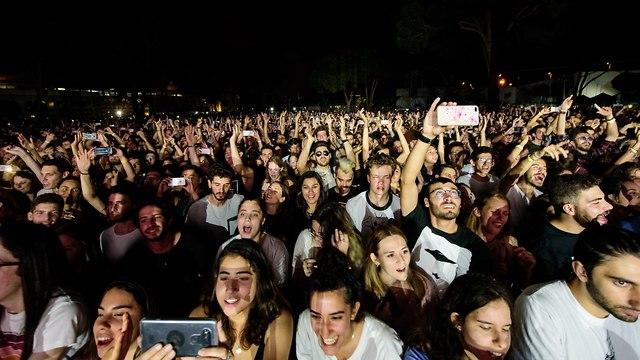 קהל בהופעה של alt-J (צילום: רז גרוס)