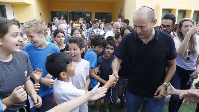 Education Minister Bennett visiting the Gaza perimeter school (Photo: Shaul Golan)