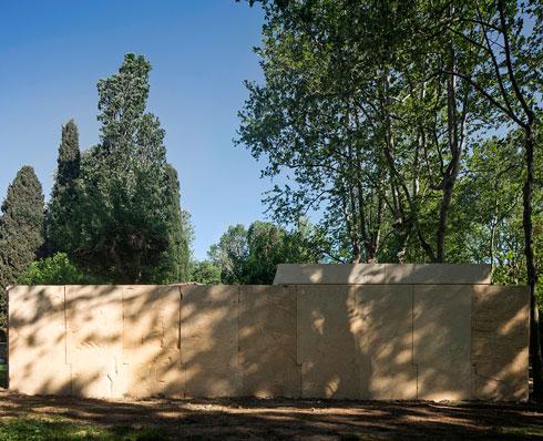 קאפלת האבן של סוטו דה מורה, מי שזכה בפרס ''אריה הזהב'' של הביאנלה על עבודה אחרת (צילום: Alessandra Chemollo)