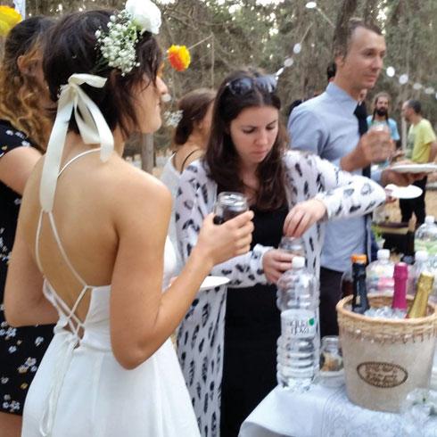 חתונה שלא הייתה גדולה יותר ממסיבת כיתה ממוצעת (צילום: אלבום פרטי)