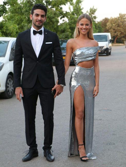 איך להתלבש בסטייל כשאתם מוזמנים לחתונה? לחצו על התמונה לכתבה המלאה (צילום: אמיר מאירי)