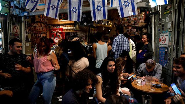 מחנה יהודה ירושלים (צילום: AFP)