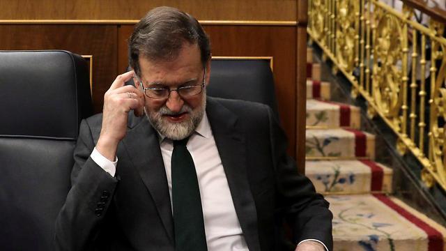 מריאנו ראחוי ראש הממשלה ה ספרדי ספרד הודח הדחה הצבעת אי אמון ב פרלמנט ב מדריד דיון פרשת שחיתות (צילום: רויטרס)
