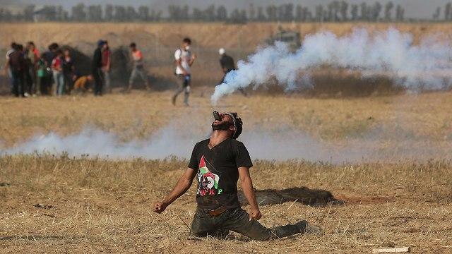 """Пока палестинцы """"добывают газ"""" примерно таким образом. Фото: AFP"""