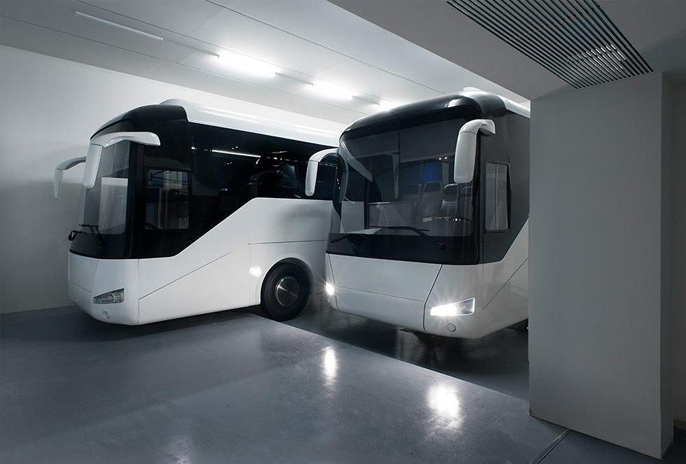 שני אוטובוסים - גיל מרקו (צילום: דניאל שריף)