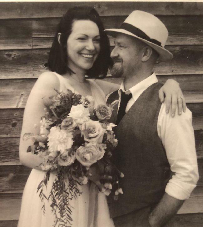 אהבנו את הלוק, לורה פרפון ובן פוסטר מתחתנים