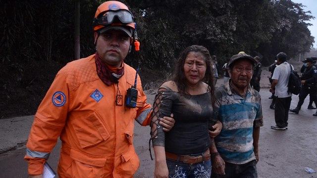 גואטמלה הר געש התפרץ פואגו (צילום: EPA)