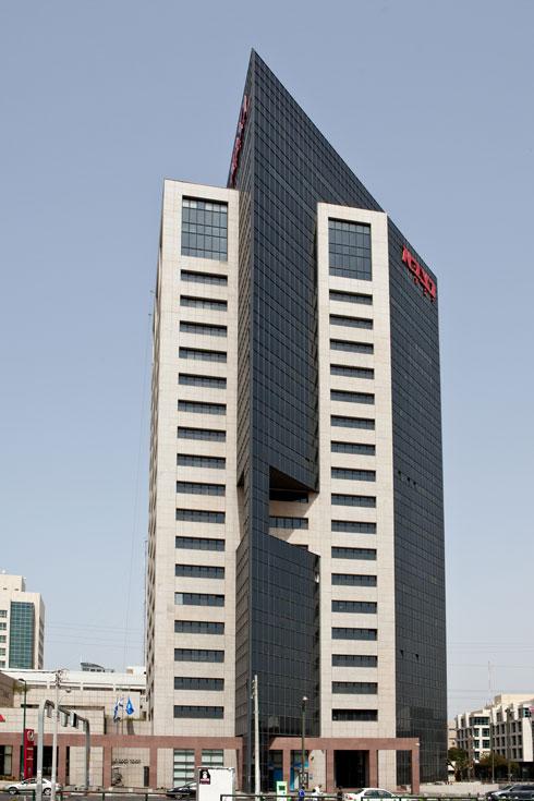 מגדל נצבא בתל אביב (צילום: אלי איתן)
