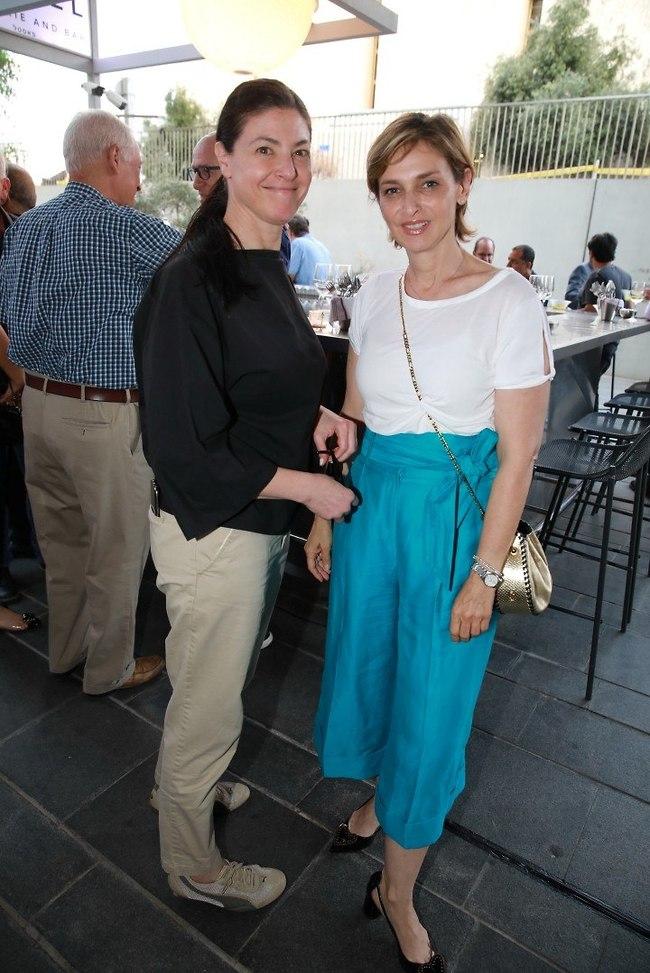זה מגנטים? דנה וייס ומרב מיכאלי (צילום: איציק בירן)