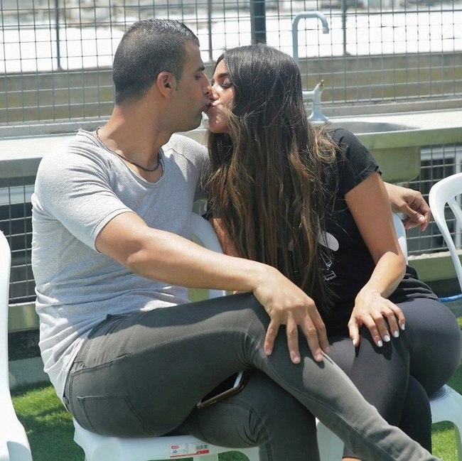 נשיקה זה בחוזה? (צילום: שוקה כהן)