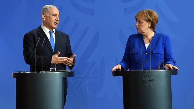 בנימין נתניהו פגישה עם אנגלה מרקל ב ברלין גרמניה (צילום: חיים צח / לע